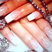 Як накладати накладні нігті