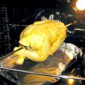Як приготувати курку в духовці на рожні
