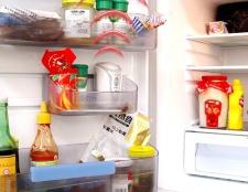 Як позбутися від цвілі в холодильнику