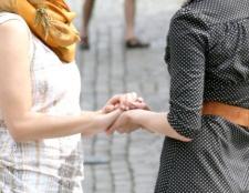 Як попросити вибачення у подруги