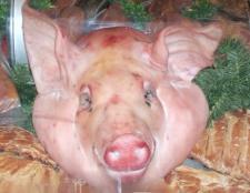 Як приготувати холодець зі свинячої голови