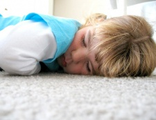 Як привчити дитину не прокидатися вночі