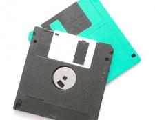Як скопіювати файли на дискету