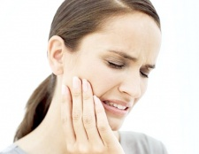 Як зняти сильний зубний біль