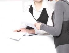 Як внести працівникові запис у трудову книжку