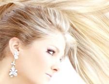 Як відновити освітлене волосся