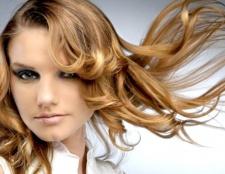 Фарбоване волосся: як зберегти гарний колір