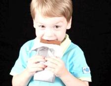 Чому не можна дітям шоколад
