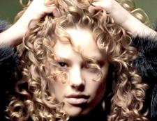 Як накручувати волосся на спіральні бігуді