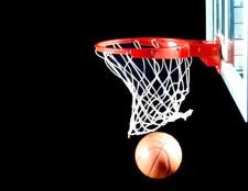 Як навчитися фінтам в баскетболі