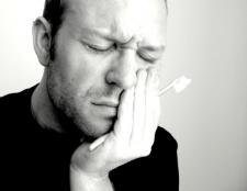 Як впоратися із зубним болем