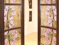 Як декорувати старі двері
