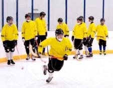 Як тренувати грати в хокей