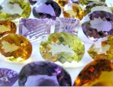 Як відрізнити справжні камені від підробок